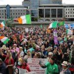 Irlanda, țară cu 92% din persoane vaccinate, cunoaște una dintre cele mai mari rate de infectare din Europa. Germania: Vaccinați, infectați, decedați.